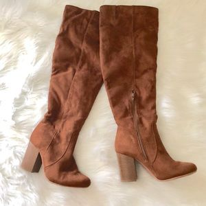 Shoes - Tan suede boots
